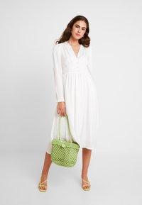 YAS - YASSUMA DRESS - Denní šaty - star white - 2