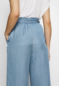 Marc O'Polo DENIM - PANTS WIDE LEG BELT - Trousers - blue grey - 4