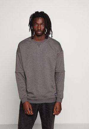 ZIP AWAY OVERSIZED TERRY CREW - Sweatshirt - darkshadow