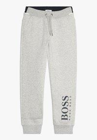 BOSS Kidswear - Joggebukse - mottled light grey - 0