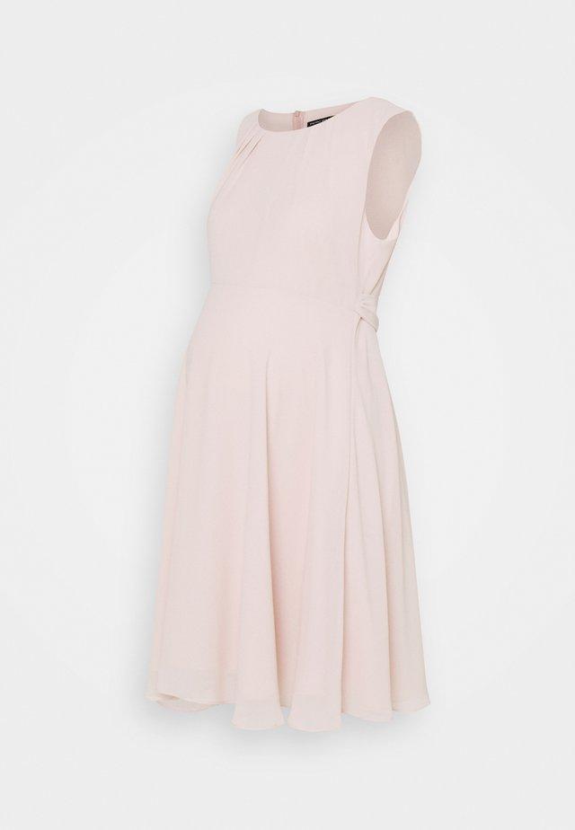 TAMIGI - Kjole - prime rose pink