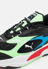 Puma - RS-FAST - Tenisky - black/elektro green/high risk red - 5