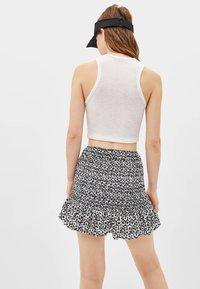 Bershka - MIT VOLANTS  - Mini skirt - black - 2
