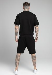 SIKSILK - RELAXED CREW  - Shorts - black - 2