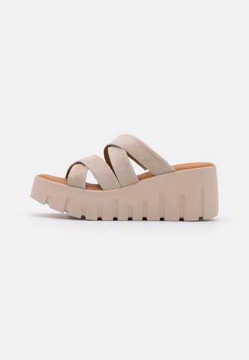 Heeled mules - taupe