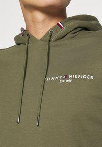 Tommy Hilfiger - SMALL LOGO HOODY - Sweat à capuche - green - 4