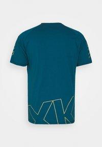 Hummel - CIMA XK  - Print T-shirt - blue coral - 1