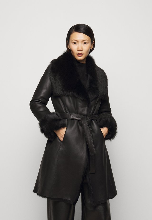 FLO SHEARLING COAT - Wollmantel/klassischer Mantel - black