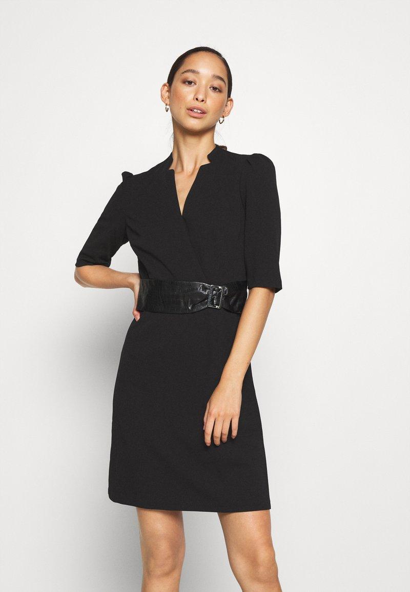 Morgan - RIMIKO - Pouzdrové šaty - noir