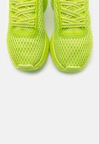 Lacoste - COURT DRIVE - Baskets basses - green/light green - 5