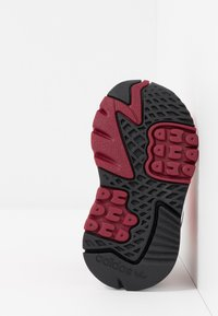 adidas Originals - NITE JOGGER - Slip-ins - shock red/grey two - 5