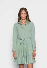 Closet - CLOSET PLEATED DRESS - Shirt dress - mint - 0