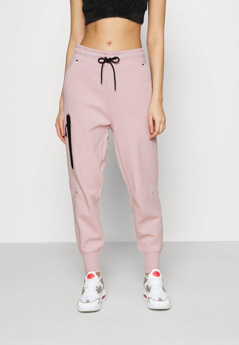 Nike Sportswear - PANT  - Tracksuit bottoms - champagne/black