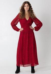 Indiska - VARJA - Maxi šaty - red - 1