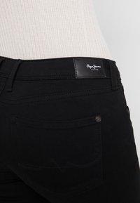 Pepe Jeans - LOLA - Skinny džíny - black denim - 5