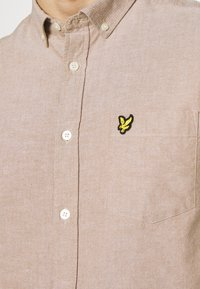 Lyle & Scott - OXFORD - Skjorta - tawny brown/white - 5
