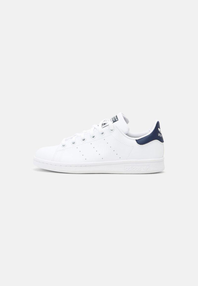 adidas Originals - STAN SMITH UNISEX - Sneakers basse - white/dark blue