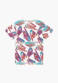 Nike Sportswear - HIFI FUTURA TEE - Print T-shirt - white - 1