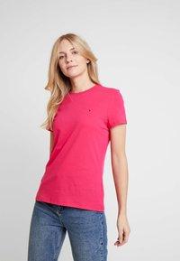 Tommy Hilfiger - T-shirt basic - pink - 0