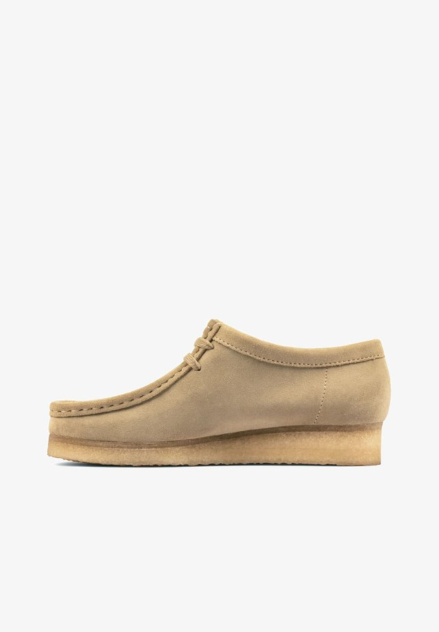 WALLABEE - Veterschoenen - maple