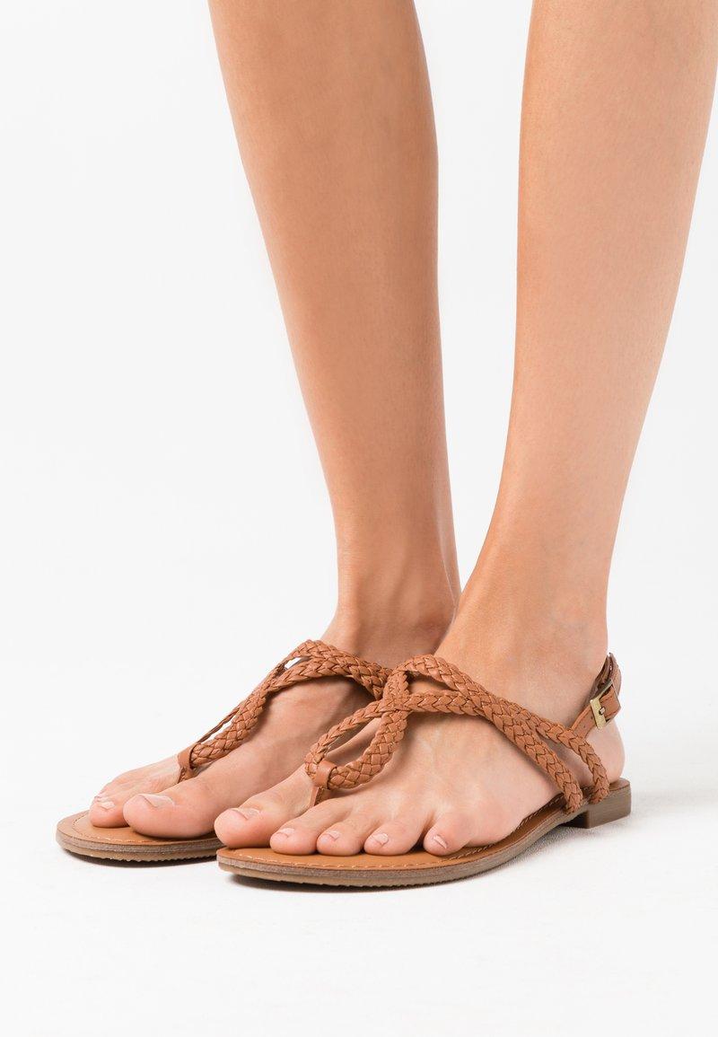 Madden Girl - ARIAA - T-bar sandals - cognac paris