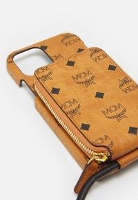 MCM - VISETOS ORIGINAL SMART PHONE CASE - Phone case - cognac - 5