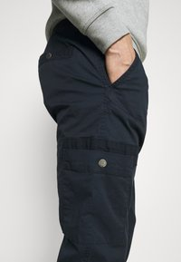 Lindbergh - PANTS - Cargo trousers - navy - 4