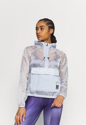 RUN ANYWHERE ANORAK - Sports jacket - isotope blue