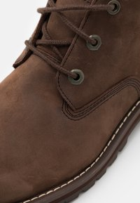 Timberland - LARCHMONT II WP CHUKKA - Lace-up ankle boots - dark brown - 5