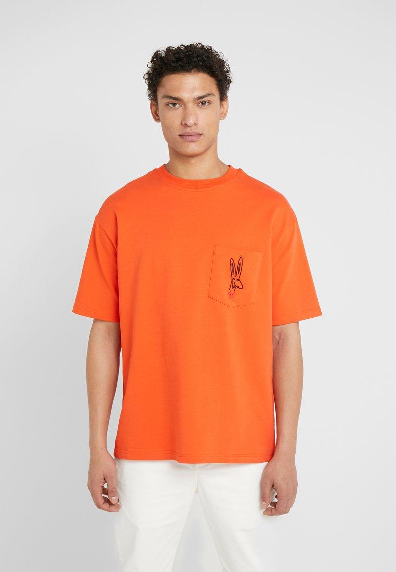 Tonsure - WILLIAM - Camiseta estampada - orange