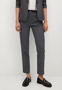 Mango - BORECUAD - Spodnie materiałowe - grey - 0