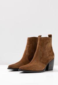 Kennel + Schmenger - LUNA - Ankle boots - bourbon/schwarz - 4