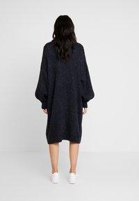 Monki - VALDA DRESS - Strikket kjole - blue dark - 2