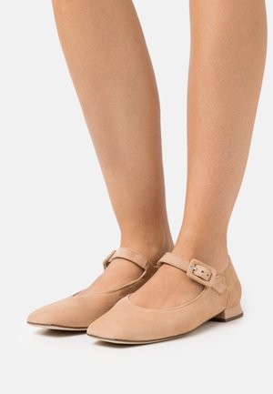 DUCKY - Ballerinat nilkkaremmillä - sahara