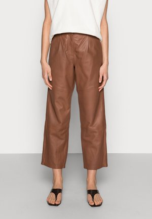 ANAISE PANT - Leather trousers - deep caramel
