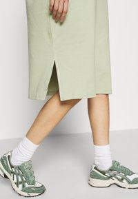 Monki - MINDY DRESS - Jersey dress - green dusty solid - 5
