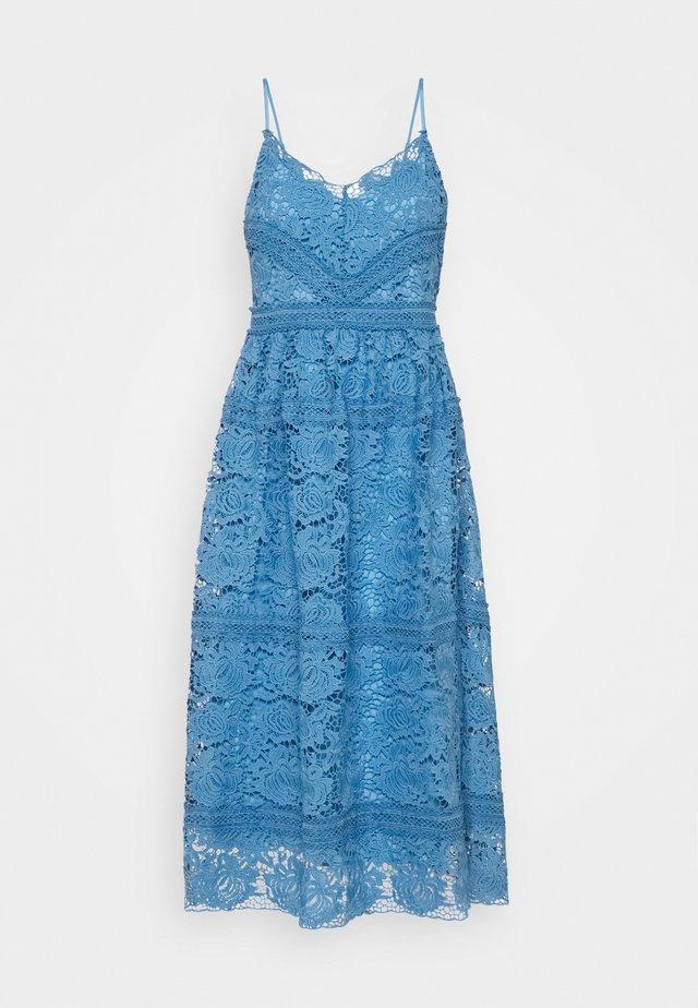 YASFRIO STRAP MIDI DRESS SHOW - Vestido de cóctel - blue heaven