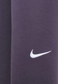 Nike Sportswear - Leggingsit - dark raisin/white - 6