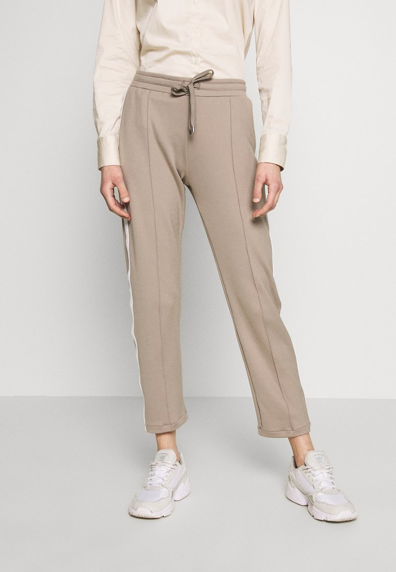 Rich & Royal - PANTS - Tracksuit bottoms - taupe