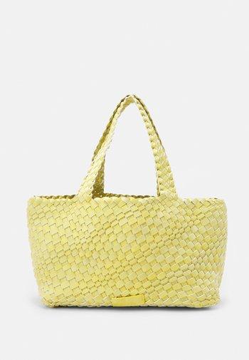 BEA - Handbag - fizz