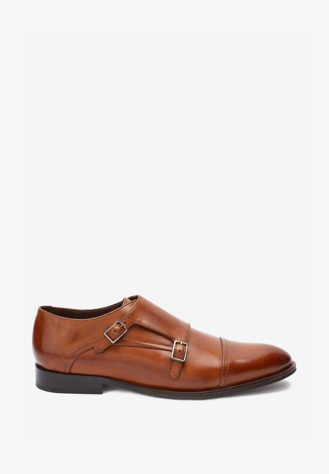 ITALIAN  - Elegantní nazouvací boty - tan