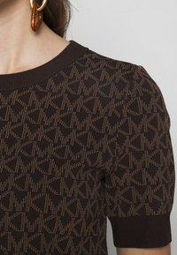 MICHAEL Michael Kors - LOGO  - T-shirt imprimé - chocolate - 5