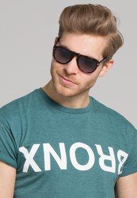 Persol - Okulary przeciwsłoneczne - dark brown - 2