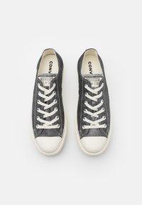Converse - CHUCK TAYLOR ALL STAR LIFT - Joggesko - black/egret/silver - 4