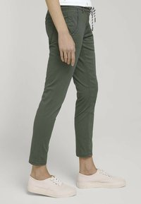 TOM TAILOR - Chinos - grape leaf green - 3