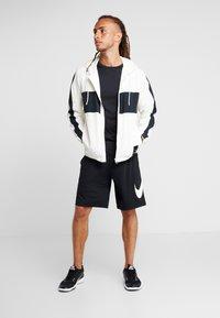 ODLO - CREW NECK CERAMICOOL ELEMENT - Basic T-shirt - black - 1