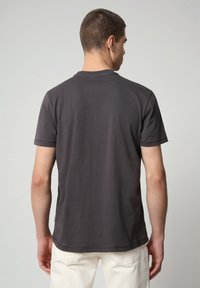 Napapijri - SIROL - T-shirt med print - dark grey solid - 1