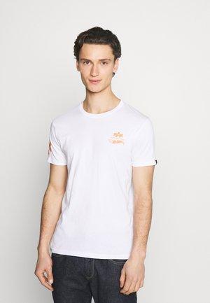 FLAME - Print T-shirt -  white