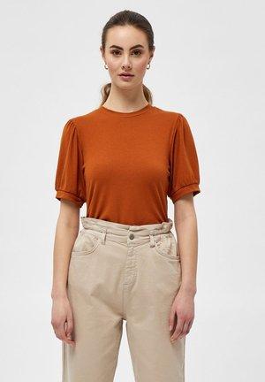 JOHANNA  - Basic T-shirt - burned hazel
