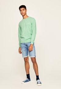 Pepe Jeans - STANLEY - Denim shorts - blue - 1